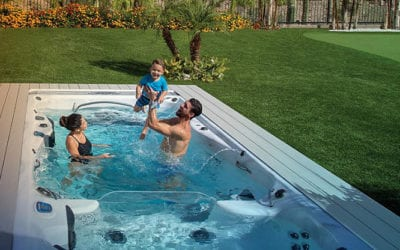 New Master Spas Video Starring Michael Phelps and Family