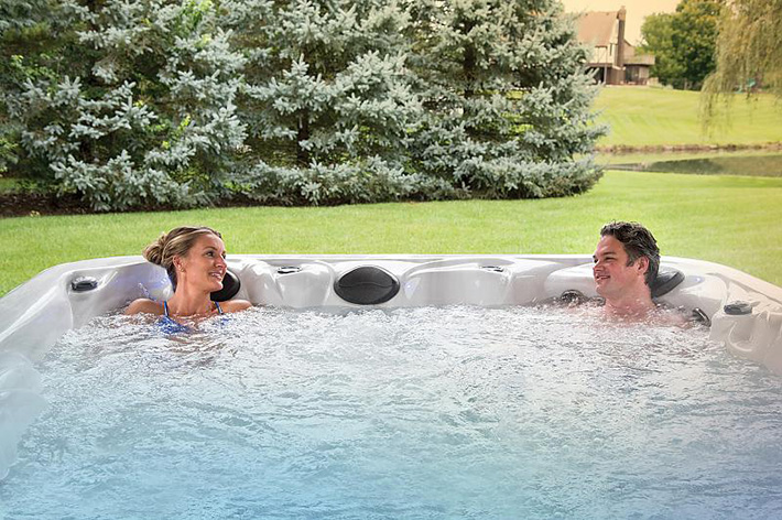 7 Key Considerations When Buying a Hot Tub